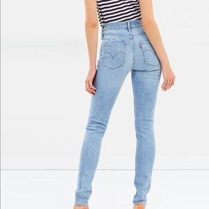 Levi's |  721 High Rise Skinny Jeans